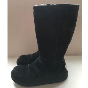 100% Authentic UGG Tall Black Boot Size 7